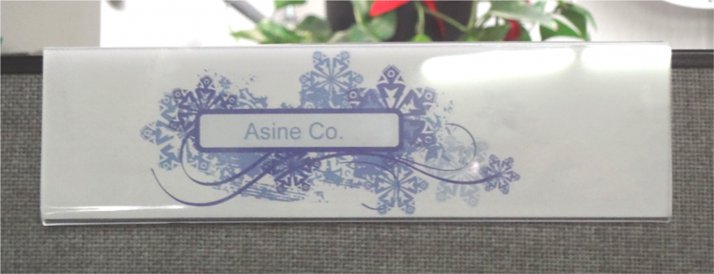 Acrylic cubical sign holder Image